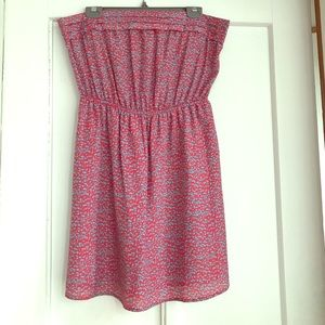 Strapless sundress with pockets